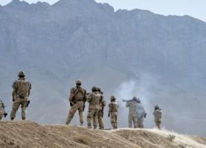 Canadians training in Afhgnaistan