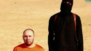 The execution of American prisoner Steven Sotloff by IS.  (Source: BBC News)