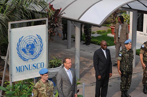 Le nouveau RSSG en R.D. Congo, Martin Kobler, arrive au QG de la MONUSCO à Kinshasa pour sa prise de fonctions, 13 août 2013. Photo MONUSC/Penangnini Toure