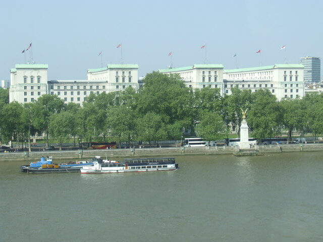 River_Thames_and_Ministry_of_Defence_building_-_geograph.org.uk_2427120 (1)