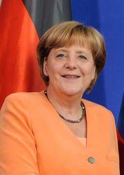 koda 203 - 15.15 izjavi za medije premierke Alenke Bratusek in nemske kanclerke Angele Merkel, Willy-Brandt-Strae 1, BERLIN